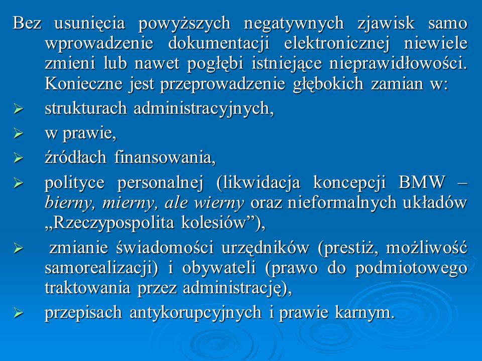 Plan działań na rzecz budowy społeczeństwa informacyjnego zakłada osiągnięcie następujących celów: (1) przygotowanie społeczeństwa polskiego do szybkich przemian technologicznych, społecznych i gospodarczych związanych z tworzeniem się społeczeństwa informacyjnego, (2) dostosowanie gospodarki narodowej do wymagań globalnej gospodarki elektronicznej przez wprowadzenie odpowiednich regulacji prawnych, (3) przygotowanie społeczeństwa polskiego do wyzwań nowego rynku pracy i nowych metod pracy, (4) stworzenie przejrzystych i przyjaznych obywatelowi struktur administracji publicznej na miarę otwartego społeczeństwa informacyjnego za pomocą narzędzi wykorzystujących technologie informacyjne i komunikacyjne, (5) stworzenie warunków dla trwałego i zrównoważonego rozwoju regionalnego z uwzględnieniem nowoczesnych technik społeczeństwa informacyjnego, (6) szeroka promocja kultury polskiej.