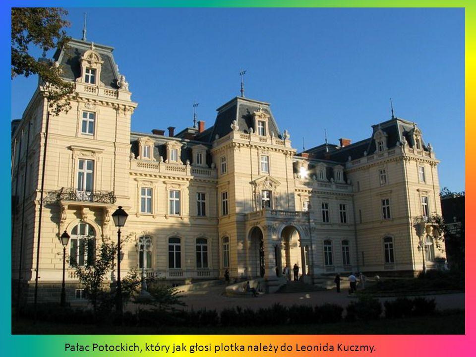 Katedra rzymskokatolicka pw. Wniebowzięcia NMP, zwana po prostu polską. Najważniejszą datą w historii katedry był 1 kwietnia 1656, gdy król Jan Kazimi