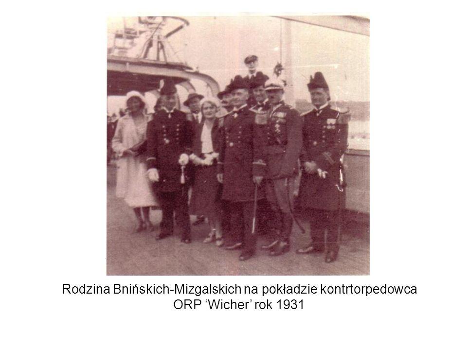 Rodzina Bnińskich-Mizgalskich na pokładzie kontrtorpedowca ORP Wicher rok 1931