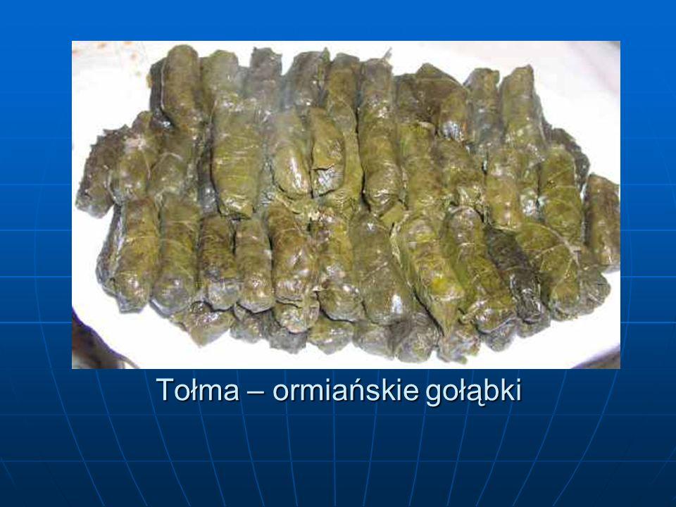 Potrawy ormiańskie Chorut Chorut Jest to przyprawa, której podstawowym składnikiem jest nać pietruszki.