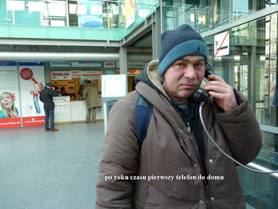 14 po roku czasu pierwszy telefon do domu