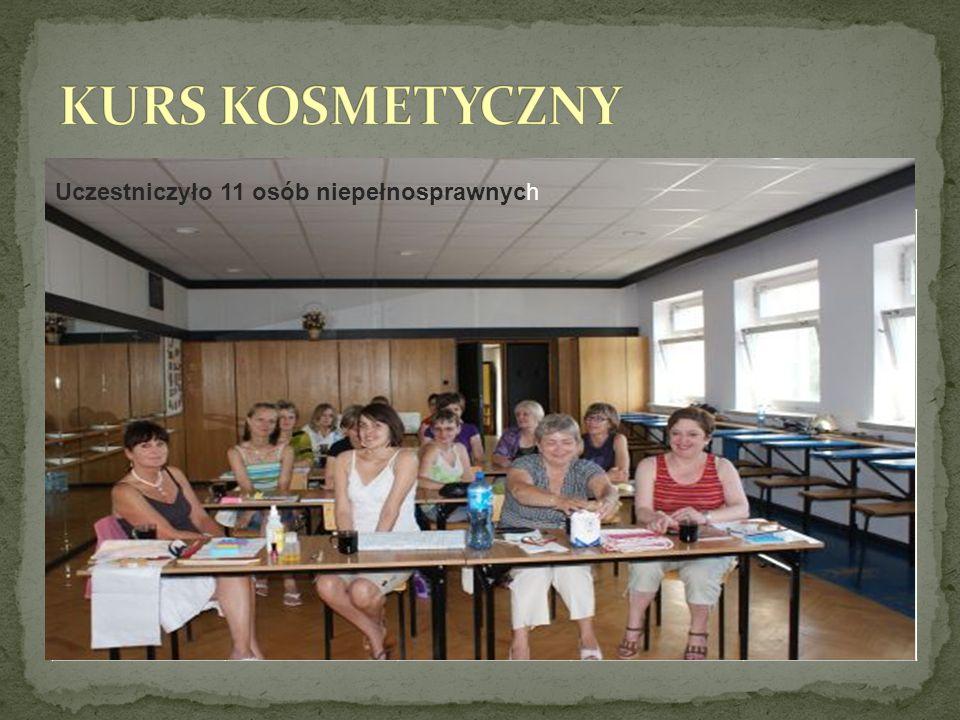 W dniach 02-17 lipca 15 osób brało udział w szkoleniu zorganizowanym przez PCPR pt.,,Kurs kosmetyczny