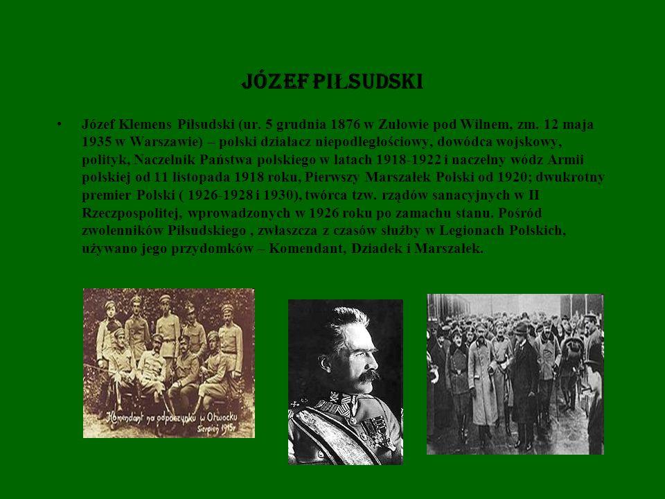 W okresie dwudziestolecia międzywojennego, wokół osoby pierwszego marszałka Polski budowany był swoisty kult.