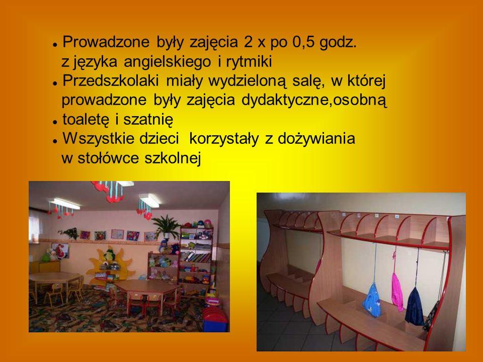 Prowadzone były zajęcia 2 x po 0,5 godz. z języka angielskiego i rytmiki Przedszkolaki miały wydzieloną salę, w której prowadzone były zajęcia dydakty