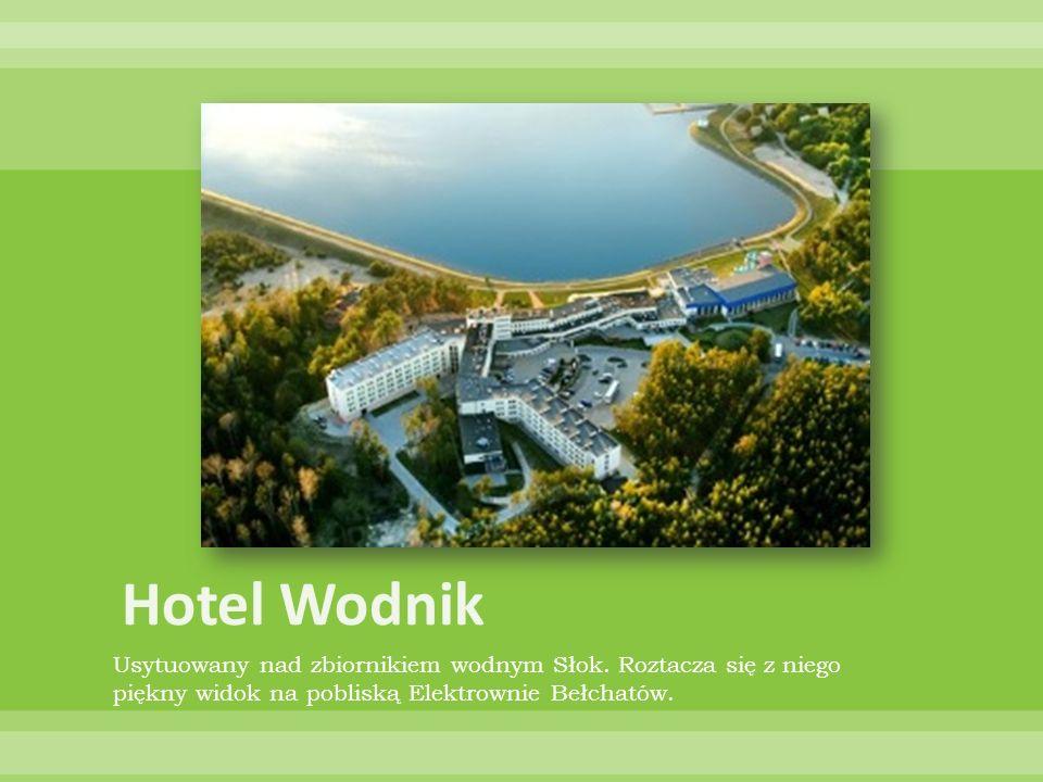 Usytuowany nad zbiornikiem wodnym Słok. Roztacza się z niego piękny widok na pobliską Elektrownie Bełchatów.