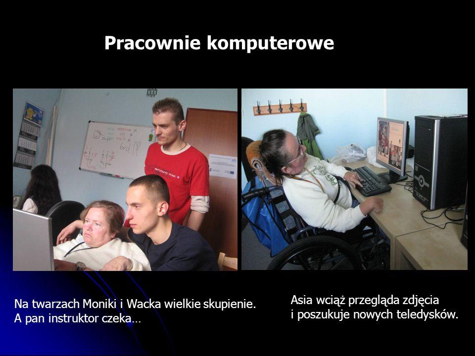 Pracownie komputerowe Na twarzach Moniki i Wacka wielkie skupienie.