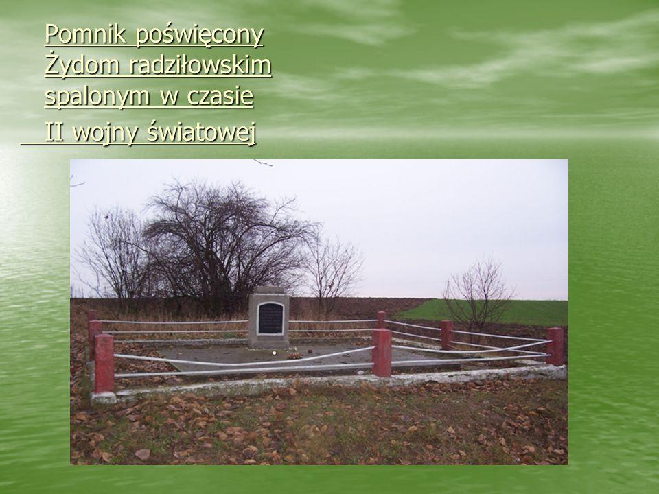 Symboliczny grób ofiar bolszewizmu i stalinizmu. Symboliczny grób ofiar bolszewizmu i stalinizmu.