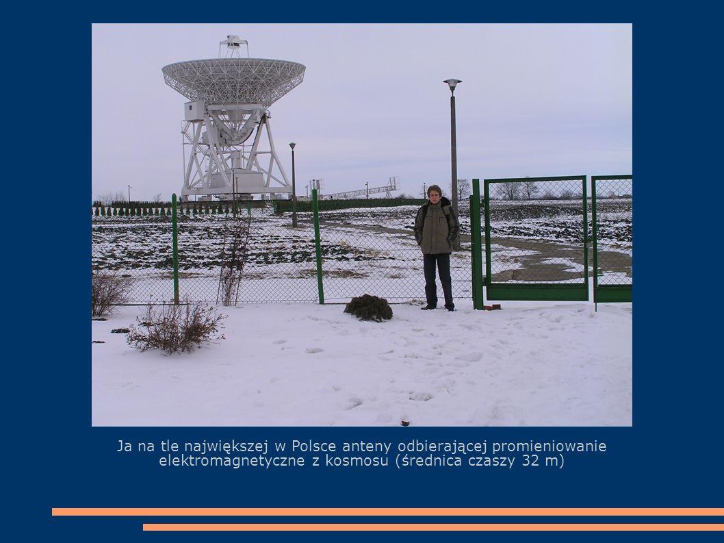 Komputery i urządzenia elektroniczne badające odbierane fale elektromagnetyczne, w dziale Radioastronomii.
