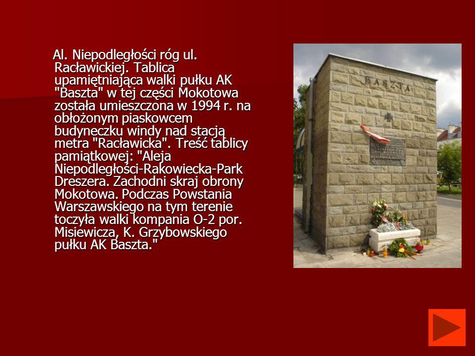 Al. Niepodległości róg ul. Racławickiej. Tablica upamiętniająca walki pułku AK
