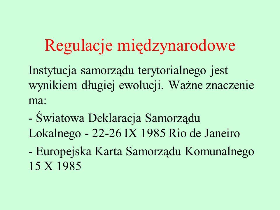 Istotne znaczenie w kształtowaniu ustroju gmin miała Ustawa Zasadnicza ( Konstytucja) Republiki Federalnej Niemiec z dnia 23 V 1949 Porządek konstytucyjny krajów musi odpowiadać zasadom republikańskiego, demokratycznego i społecznego państwa (...) W krajach, powiatach i gminach naród musi mieć przedstawicielstwo, które pochodzi z powszechnych, bezpośrednich, wolnych, równych i tajnych wyborów (...)