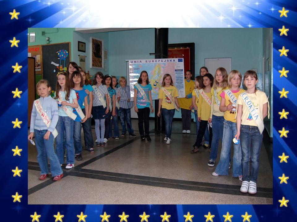 Idea, photos, presentation– Ilona W ą sowicz Students involved:classes: IIIa i VIa - SP Nr 33 Teachers involved: Olga Chodakowska, Joanna Piekarz, Marta Kozioł, Dorota Adamczyk,