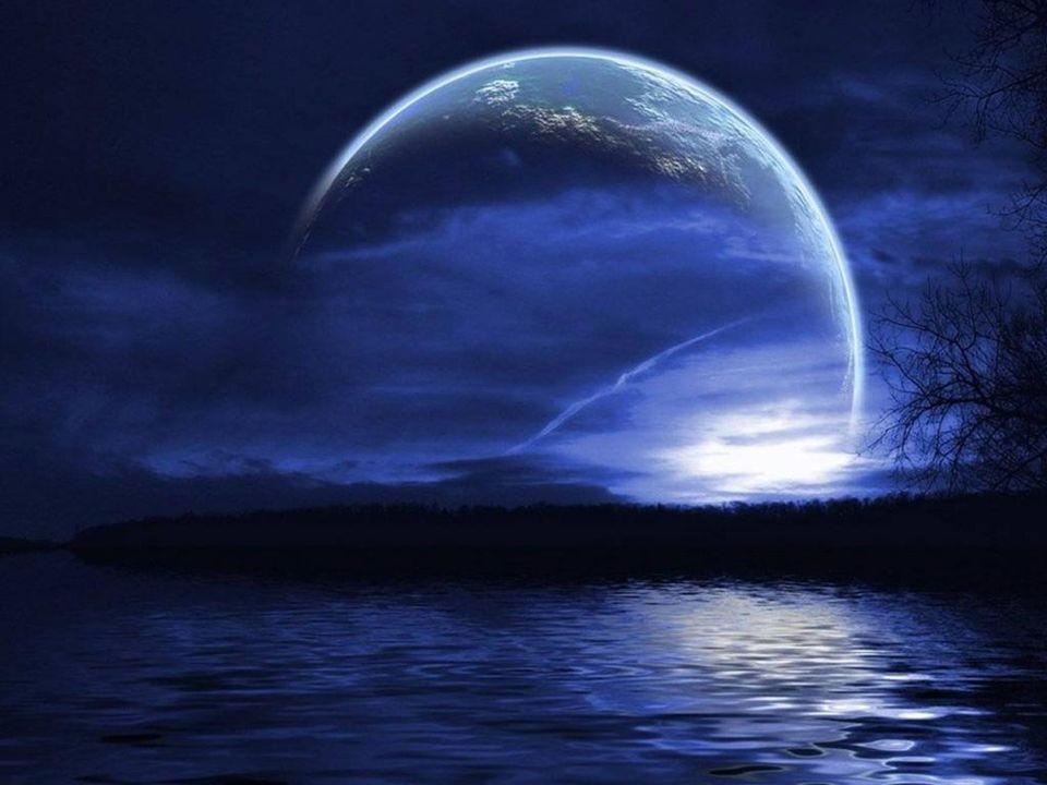 O Nocy pokoju O Nocy wiary Noc panuje nad światem.