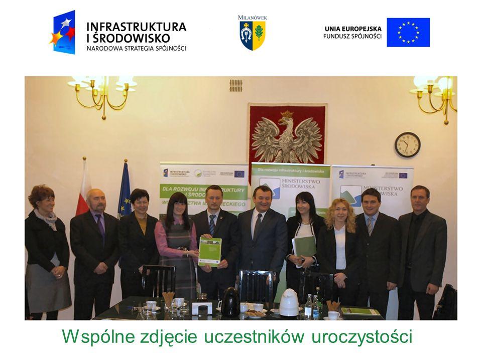 Wspólne zdjęcie uczestników uroczystości