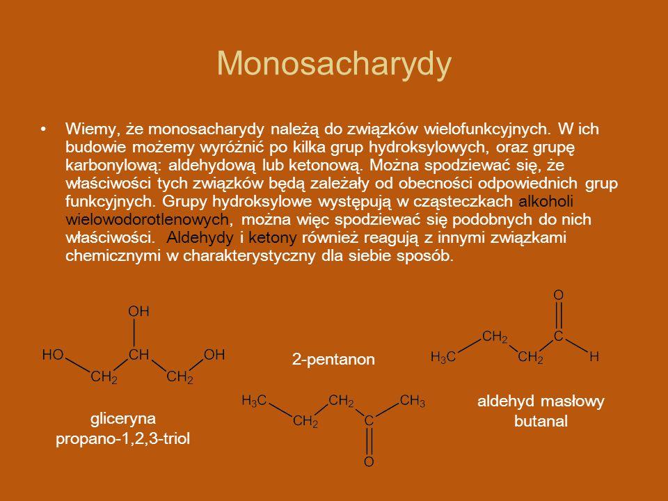 Monosacharydy – wzory taflowe Cząsteczka α – glukopiranozy lub β – glukopiranozy tworzy się w następujacy sposób: α - glukopiranoza β - glukopiranoza Związek heterocykliczny o pierścieniu sześcioczłonowym z jednym atomem tlenu nosi nazwę piranu dlatego taką cykliczną formę glukozy nazywa się glukopiranozą.