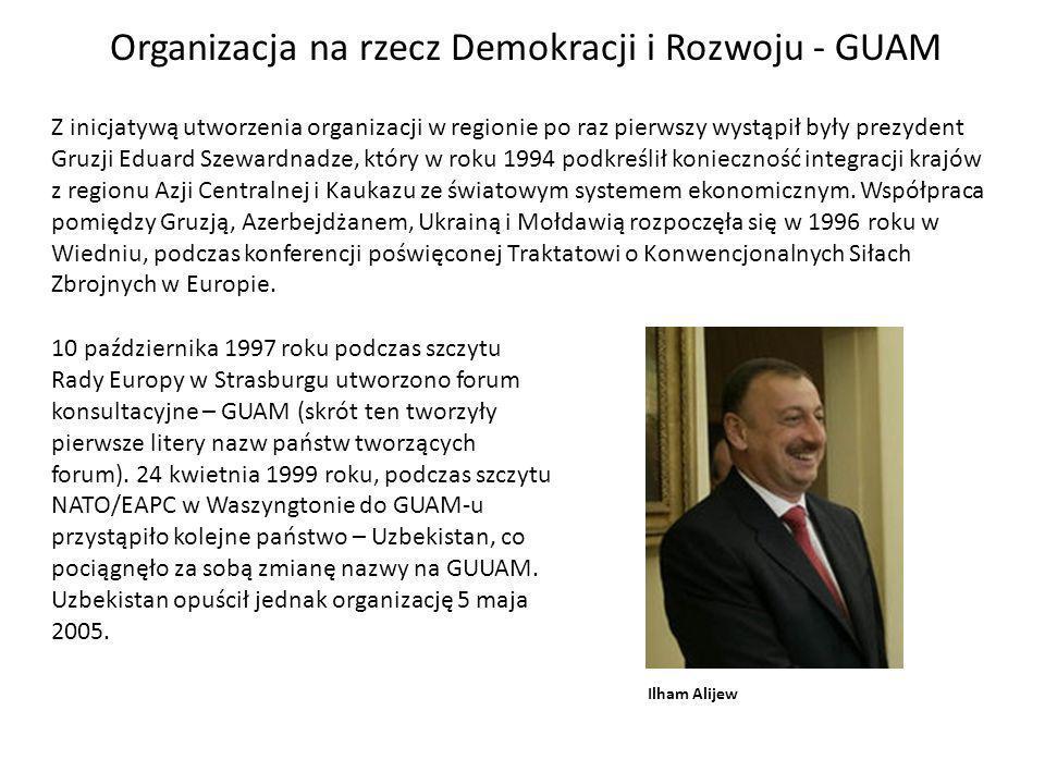 Z inicjatywą utworzenia organizacji w regionie po raz pierwszy wystąpił były prezydent Gruzji Eduard Szewardnadze, który w roku 1994 podkreślił konieczność integracji krajów z regionu Azji Centralnej i Kaukazu ze światowym systemem ekonomicznym.