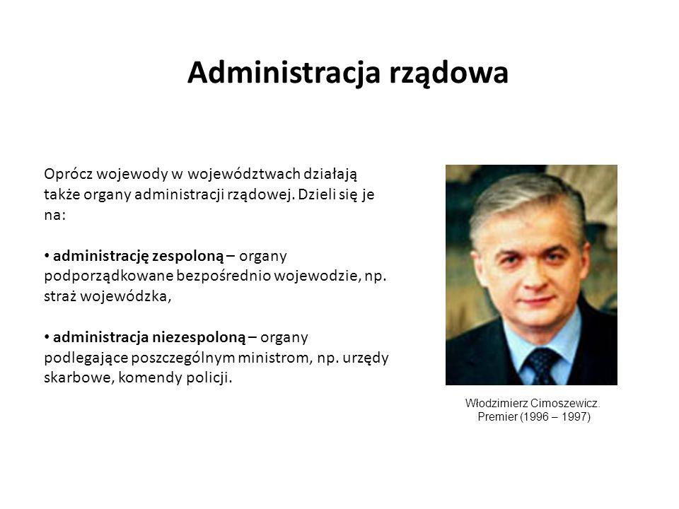 Administracja rządowa Oprócz wojewody w województwach działają także organy administracji rządowej. Dzieli się je na: administrację zespoloną – organy