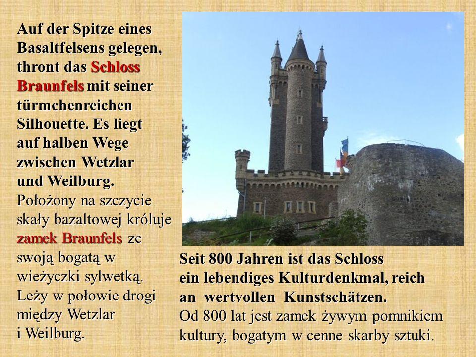 Seit 800 Jahren ist das Schloss ein lebendiges Kulturdenkmal, reich an wertvollen Kunstschätzen. Od 800 lat jest zamek żywym pomnikiem kultury, bogaty