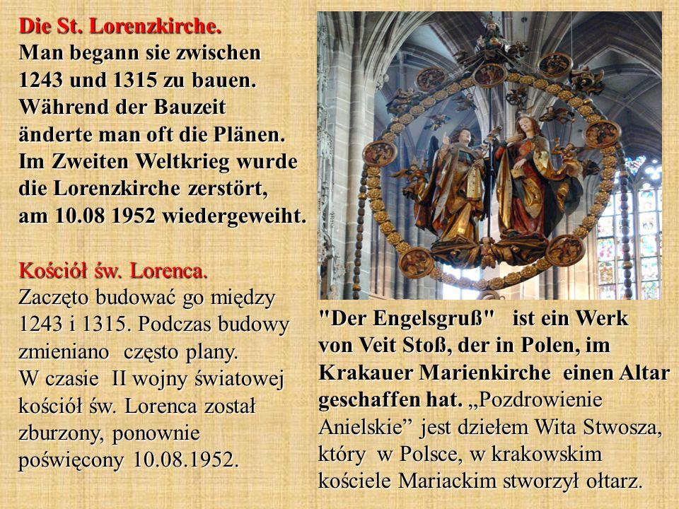Der Engelsgruß ist ein Werk von Veit Stoß, der in Polen, im Krakauer Marienkirche einen Altar geschaffen hat.