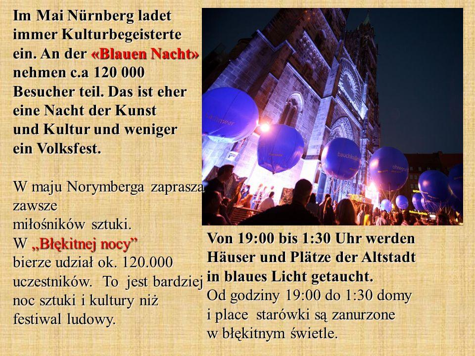 Von 19:00 bis 1:30 Uhr werden Häuser und Plätze der Altstadt in blaues Licht getaucht.