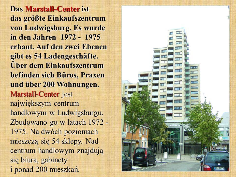 Das Marstall-Center ist das größte Einkaufszentrum von Ludwigsburg. Es wurde in den Jahren 1972 - 1975 erbaut. Auf den zwei Ebenen gibt es 54 Ladenges