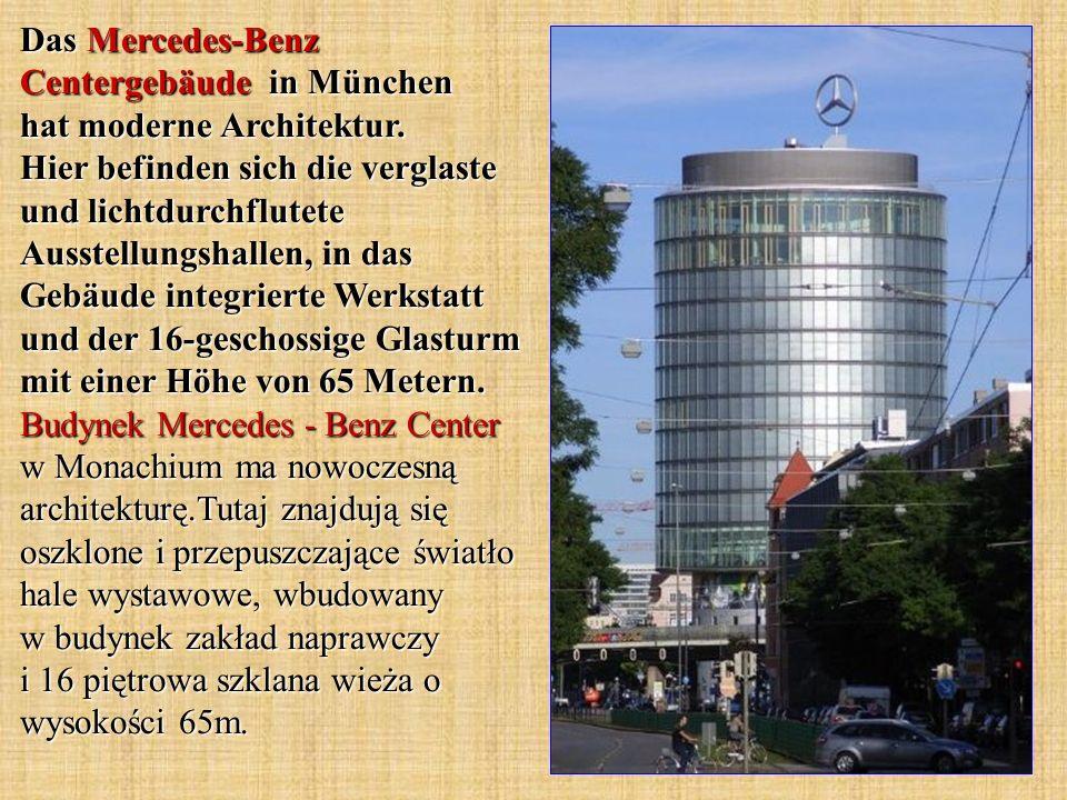 Das Mercedes-Benz Centergebäude in München hat moderne Architektur. Hier befinden sich die verglaste und lichtdurchflutete Ausstellungshallen, in das