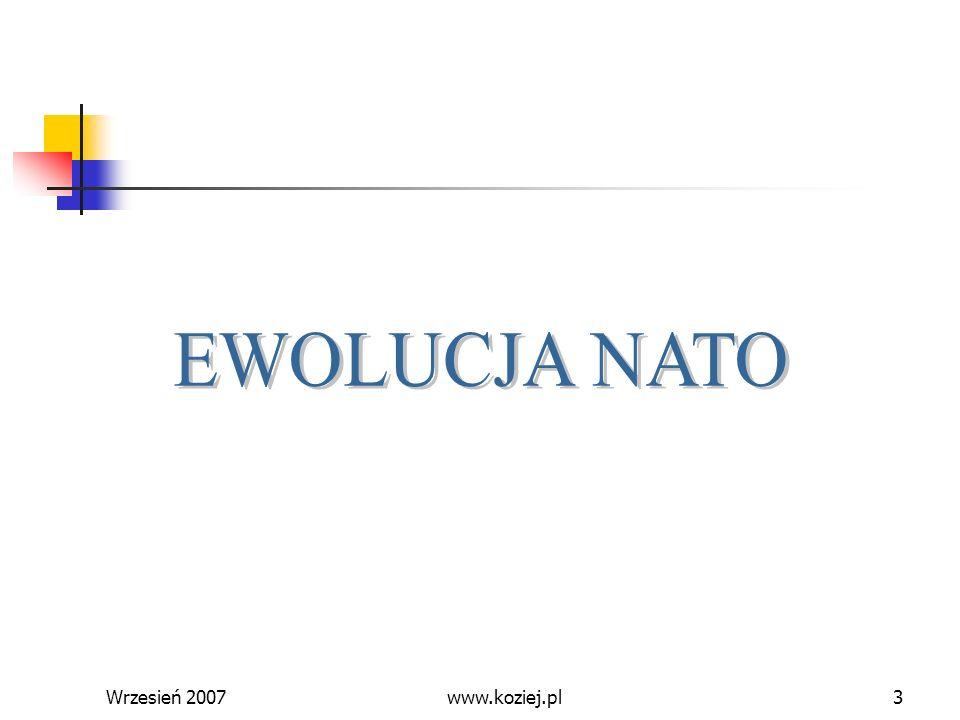 Wrzesień 20074 Koncepcje zimnowojenne koncepcja obrony strategicznej obszaru północnoatlantyckiego (rok 1950) strategia zmasowanego odwetu (połowa lat pięćdziesiątych) strategia elastycznego reagowania (lata sześćdziesiąte) www.koziej.pl