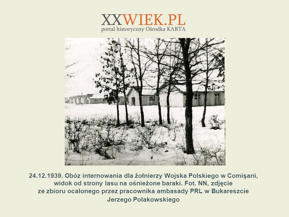 24.12.1939. Obóz internowania dla żołnierzy Wojska Polskiego w Comişani, widok od strony lasu na ośnieżone baraki. Fot. NN, zdjęcie ze zbioru ocaloneg