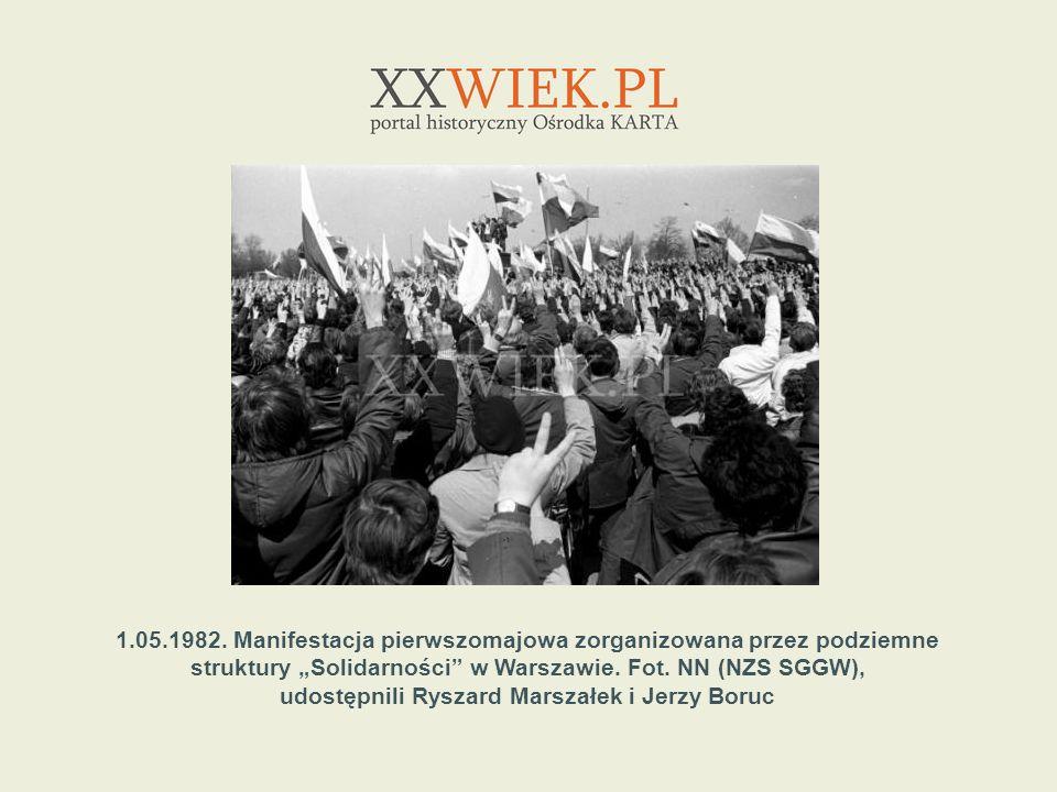 1.05.1982. Manifestacja pierwszomajowa zorganizowana przez podziemne struktury Solidarności w Warszawie. Fot. NN (NZS SGGW), udostępnili Ryszard Marsz