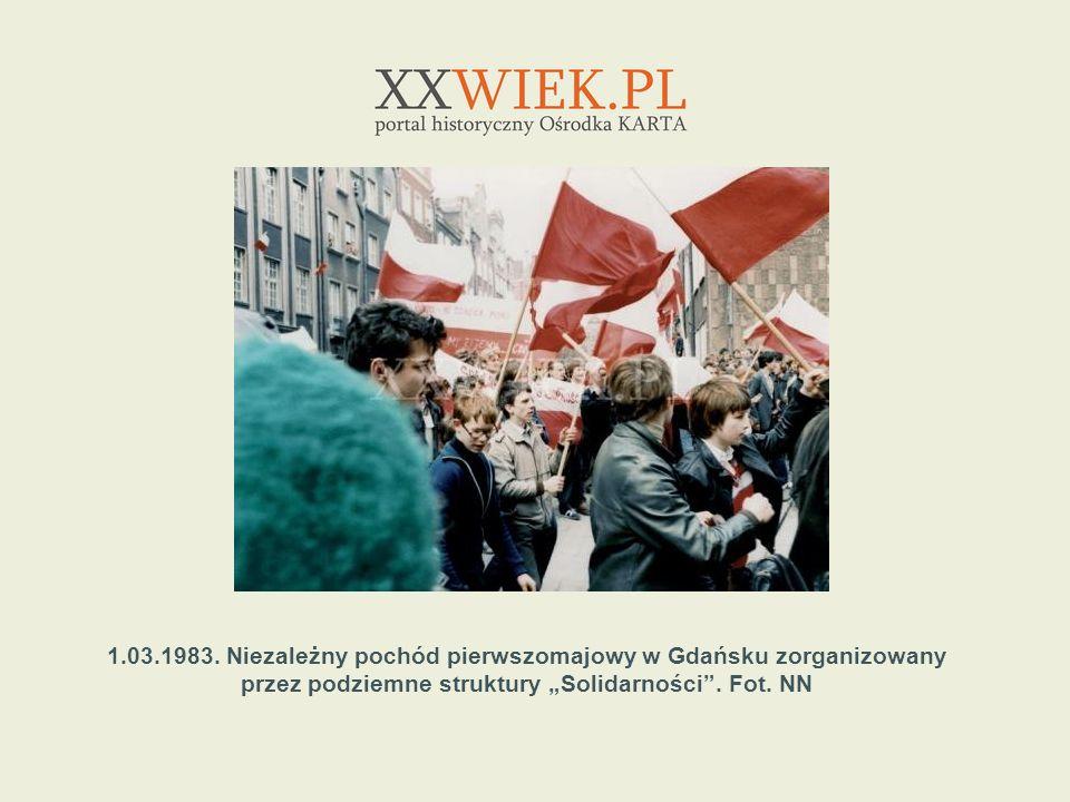 1.03.1983. Niezależny pochód pierwszomajowy w Gdańsku zorganizowany przez podziemne struktury Solidarności. Fot. NN