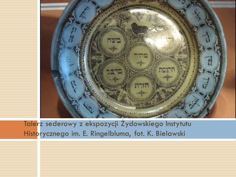 Talerz sederowy z ekspozycji Żydowskiego Instytutu Historycznego im. E. Ringelbluma, fot. K. Bielawski