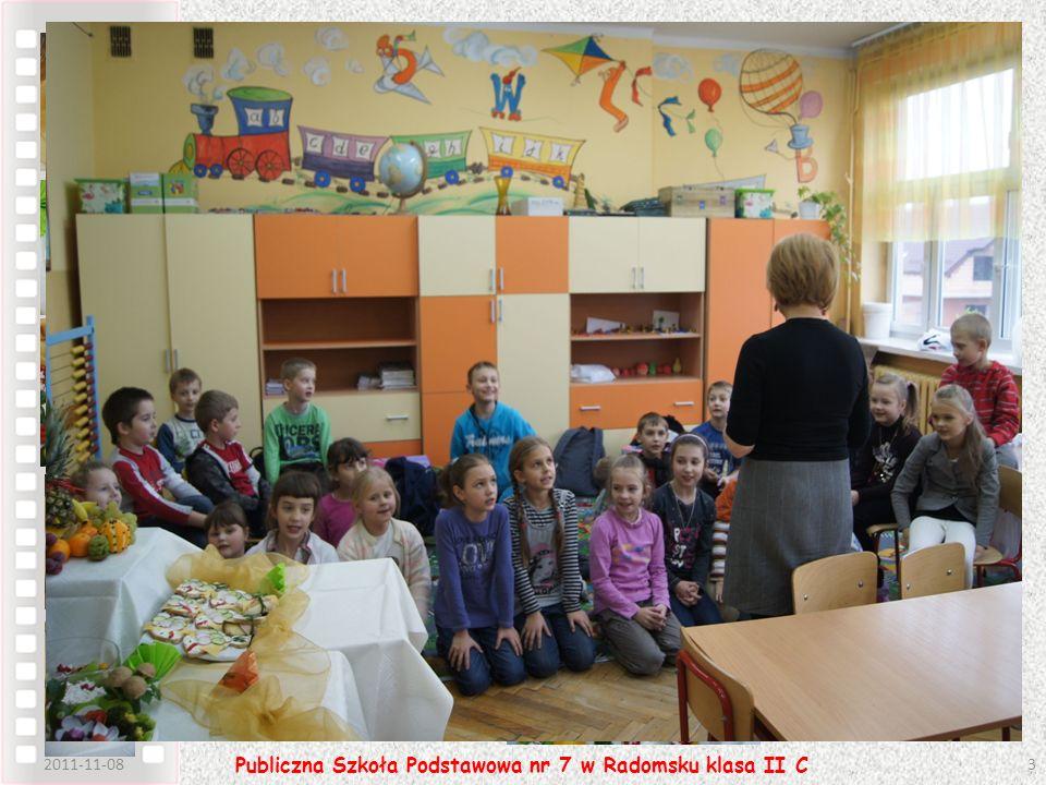 2011-11-083 Publiczna Szkoła Podstawowa nr 7 w Radomsku klasa II C Zanim zasiedliśmy do stołu nasze koleżanki przypomniały nam o kulturze podczas jedz