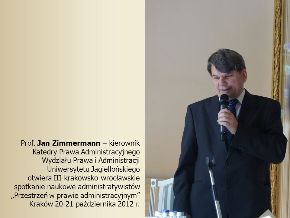 Po obradach w Auli Leopoldyńskiej podczas VIII Dorocznej Konferencji Stowarzyszenia Edukacji Administracji Pu- blicznej Umowy w administracji, Wrocław 27-29 maja 2007.