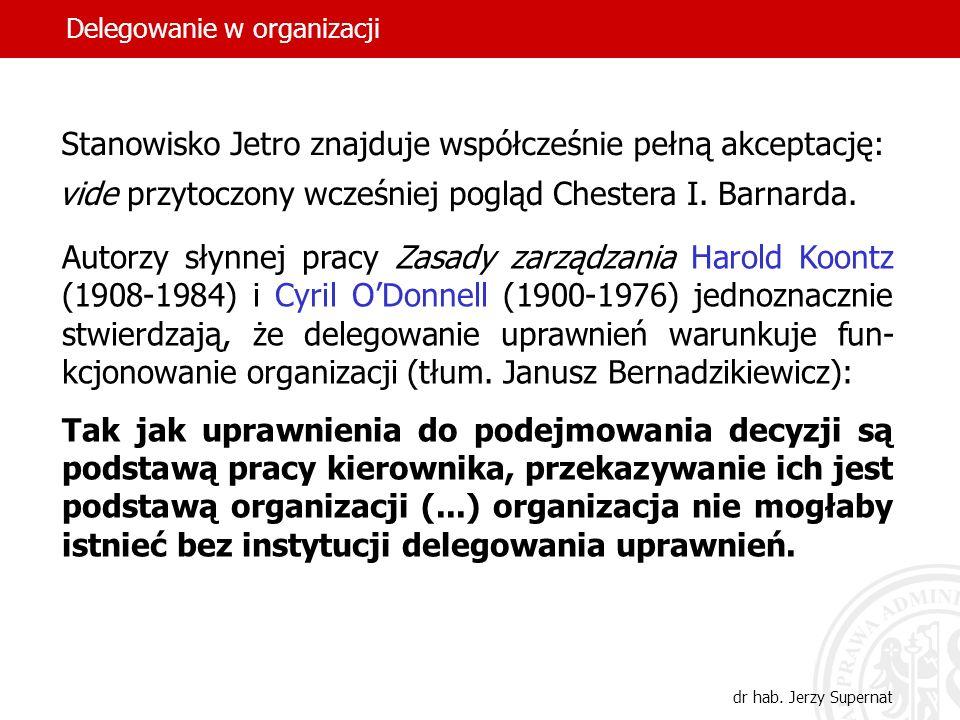 47 Płochacz – uważa, że deleguje upraw- nienia pracownikom, ale żąda od nich, by nawet najbłahsze decyzje były z nim uprze- dnio konsultowane.