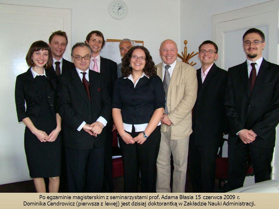 Po egzaminie magisterskim z seminarzystami prof.Adama Błasia 15 czerwca 2009 r.