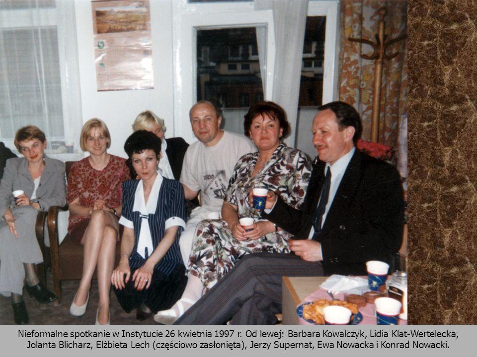 Nieformalne spotkanie w Instytucie 26 kwietnia 1997 r. Od lewej: Barbara Kowalczyk, Lidia Klat-Wertelecka, Jolanta Blicharz, Elżbieta Lech (częściowo