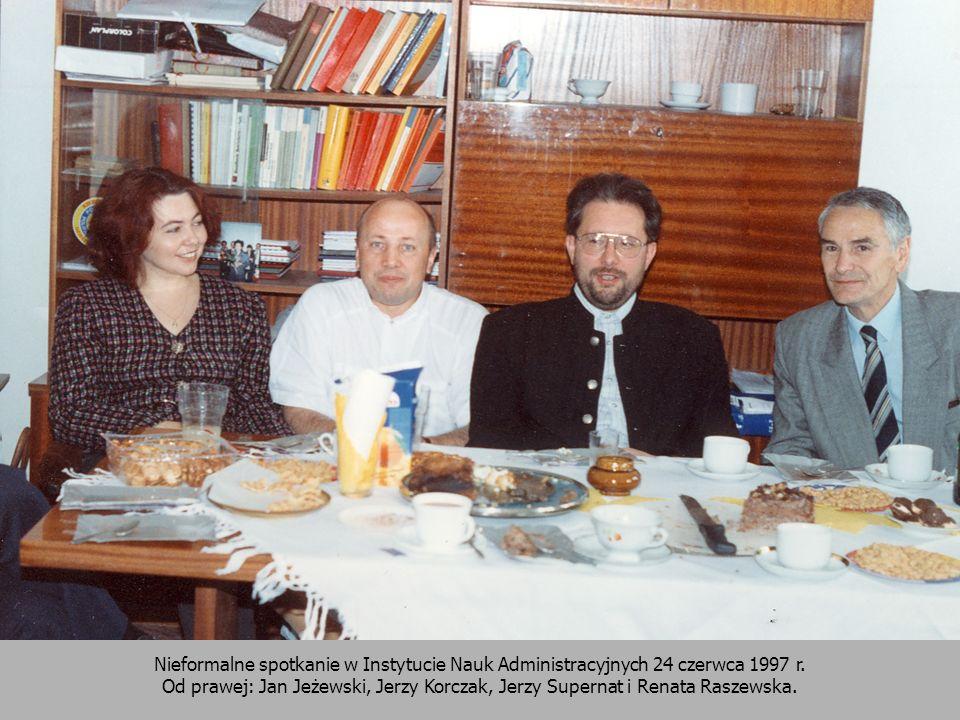 Nieformalne spotkanie w Instytucie Nauk Administracyjnych 24 czerwca 1997 r. Od prawej: Jan Jeżewski, Jerzy Korczak, Jerzy Supernat i Renata Raszewska
