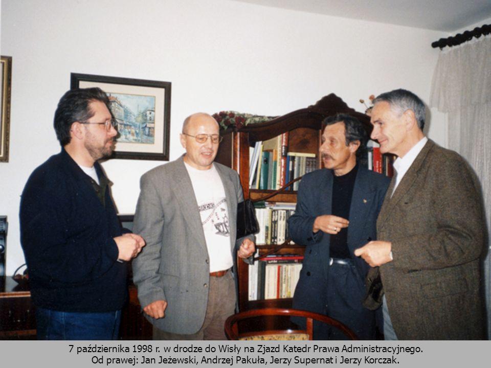 7 października 1998 r. w drodze do Wisły na Zjazd Katedr Prawa Administracyjnego. Od prawej: Jan Jeżewski, Andrzej Pakuła, Jerzy Supernat i Jerzy Korc