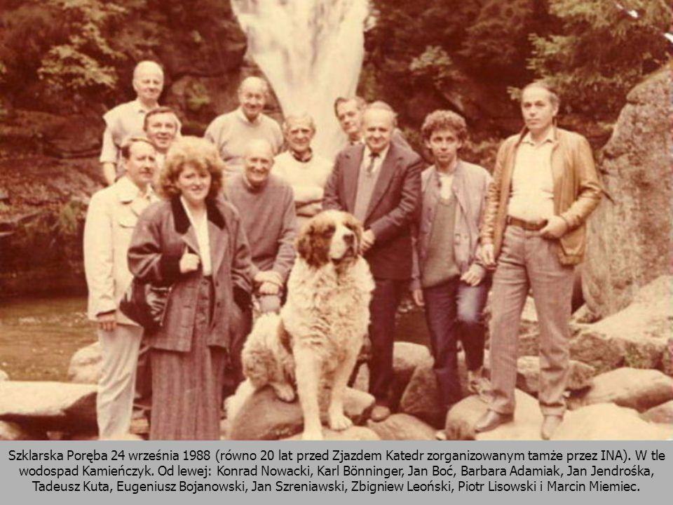Szklarska Poręba 24 września 1988 (równo 20 lat przed Zjazdem Katedr zorganizowanym tamże przez INA). W tle wodospad Kamieńczyk. Od lewej: Konrad Nowa