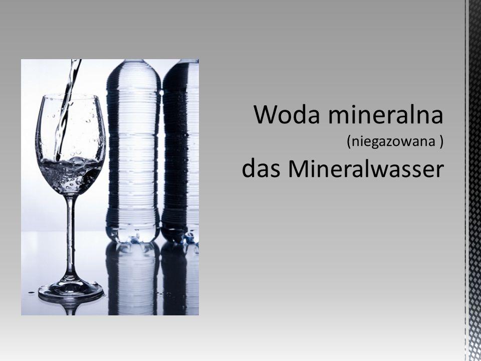 Przyjęła się nazwa woda sodowa dla określenia tego napoju z bąbelkami, która nie ma jednak nic wspólnego z obecnością w nim sodu.