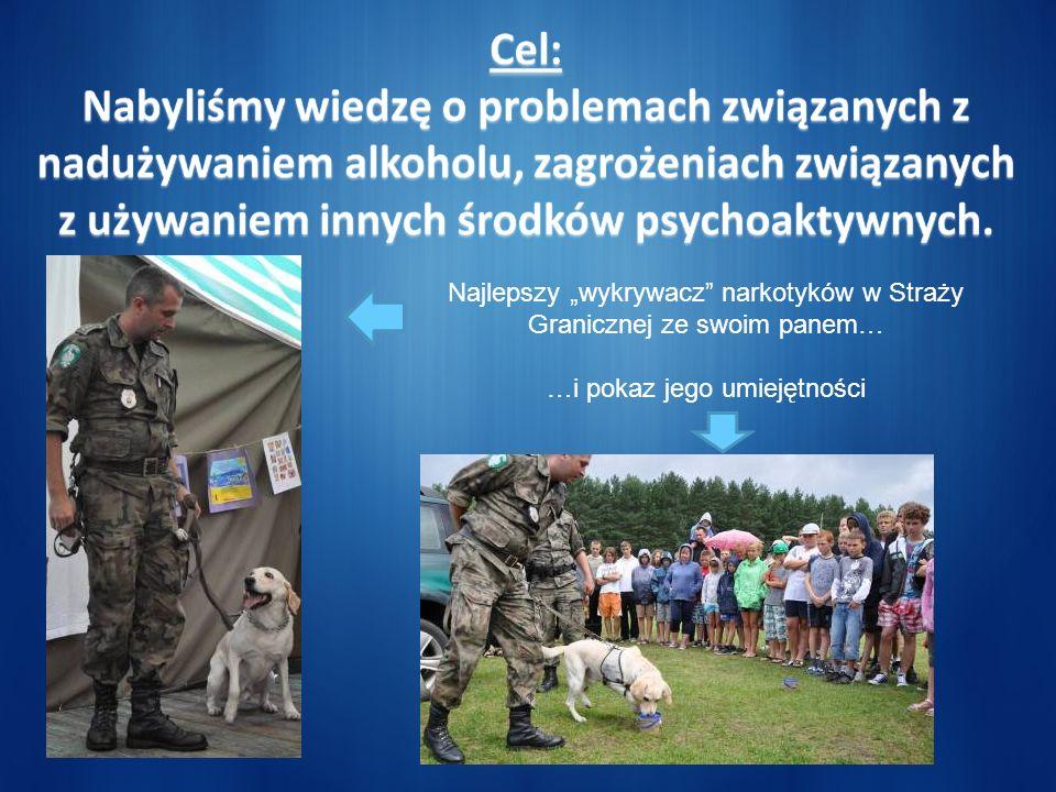 Najlepszy wykrywacz narkotyków w Straży Granicznej ze swoim panem… …i pokaz jego umiejętności