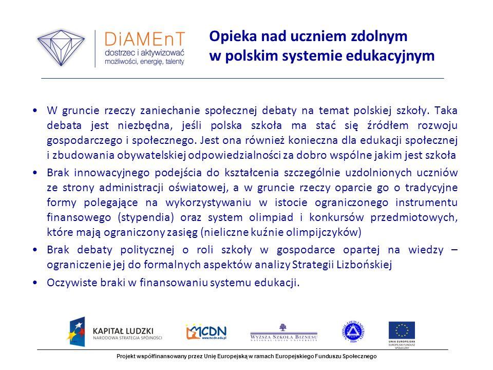 W gruncie rzeczy zaniechanie społecznej debaty na temat polskiej szkoły.