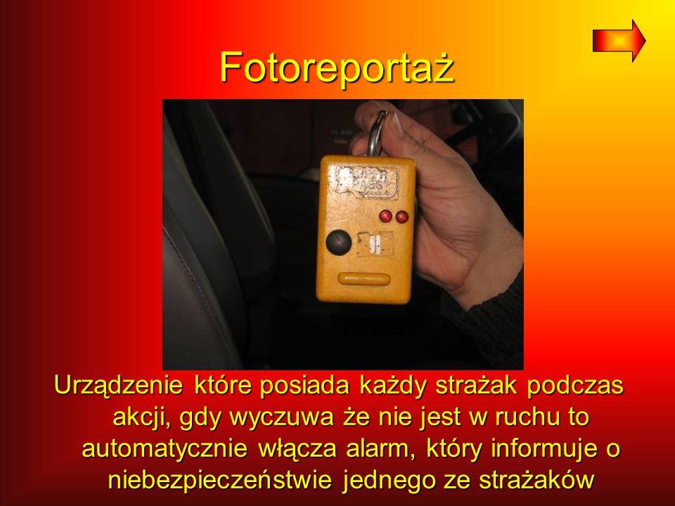 Fotoreportaż Urządzenie które posiada każdy strażak podczas akcji, gdy wyczuwa że nie jest w ruchu to automatycznie włącza alarm, który informuje o ni