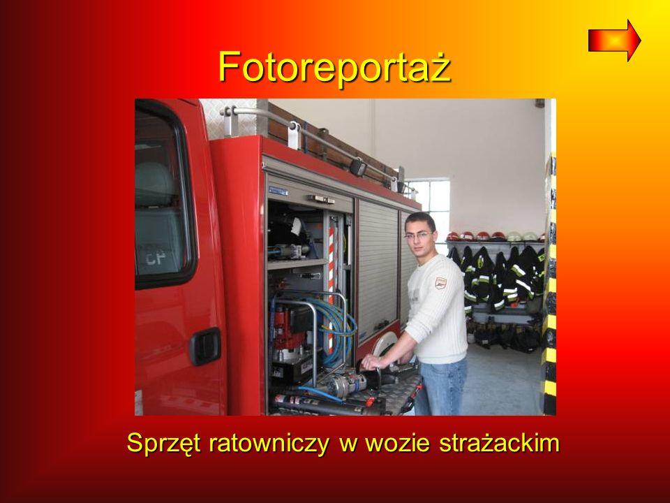Fotoreportaż Sprzęt ratowniczy w wozie strażackim Sprzęt ratowniczy w wozie strażackim