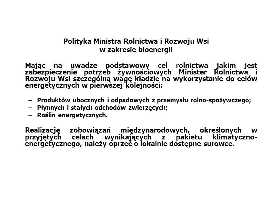 Potencjał OZE w Polsce WyszczególnienieRealny potencjał ekonomiczny – energia końcowa Rodzaje odnawialnych zasobów energii[TJ] Energetyka słoneczna, w tym:83 312,2 - termiczna, w tym:83 152,9 przygotowanie cwu36 491,9 ogrzewanie - co46 661,0 - fotowoltaiczna159,3 Energia geotermiczna, w tym:12 367,0 - głęboka4 200,0 -płytka8 167,0 Biomasa,w tym:600 167,8 - odpady stałe suche165 930,8 - biogaz (odpady mokre)123 066,3 -drewno opałowe (lasy)24 451,8 - uprawy energetyczne, w tym:286 718,9 celulozowe145 600,0 cukrowo-skrobiowe-bioetanol21 501,0 rzepak-biodiesel37 980,0 kiszonki kukurydzy-biogaz81 637,9 Energetyka wodna17 974,4 Energetyka wiatrowa, w tym:444 647,6 - na lądzie377 242,5 - na morzu67 405,0 Razem1 158 469 Źródło: Ekspertyza wykonana w Instytucie Energetyki Odnawialnej przy współpracy z Instytutem na rzecz Ekorozwoju, na zamówienie Ministra Gospodarki.