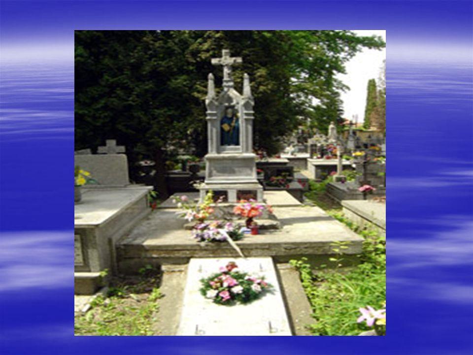Scenka IV Cmentarz, ojciec z dziećmi nad grobem żony, chłopiec krzyczy, że chce do mamy.