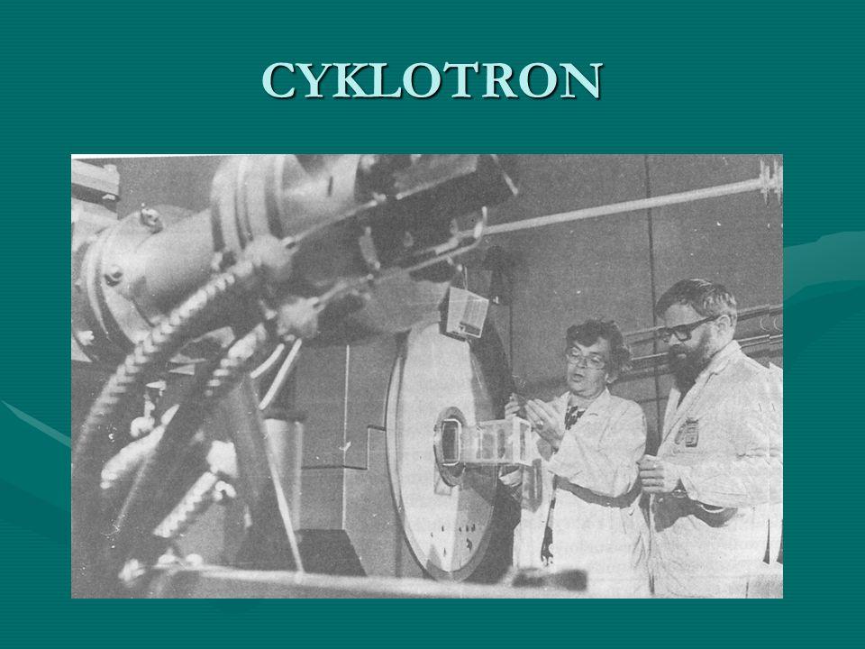 Klasyczny cyklotron U-120 Instytut Fizyki Jądrowej Kraków, 1978-95 (486 ch.) 9 Be(d,n) 10 B 9 Be(d,n) 10 B Energia deuteronów (max) 12,5 MeV Energia neutronów (średnia) 5,6 MeV Moc dawki (średnia) 12 cGy n,γ /min Składowa gamma < 10%