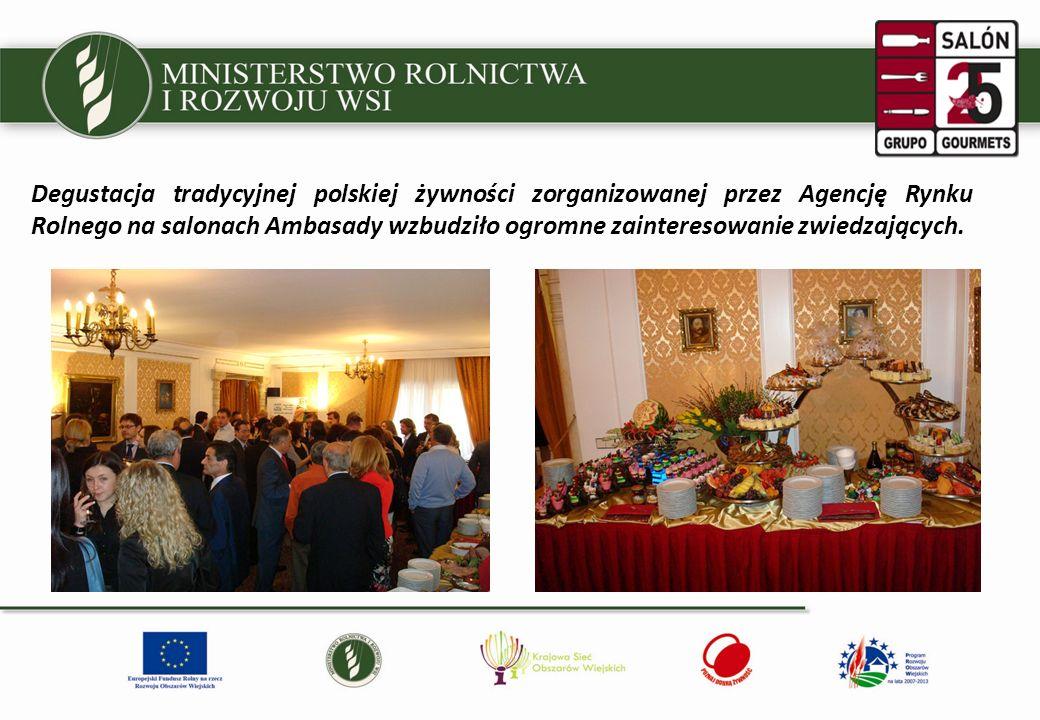 Degustacja tradycyjnej polskiej żywności zorganizowanej przez Agencję Rynku Rolnego na salonach Ambasady wzbudziło ogromne zainteresowanie zwiedzających.