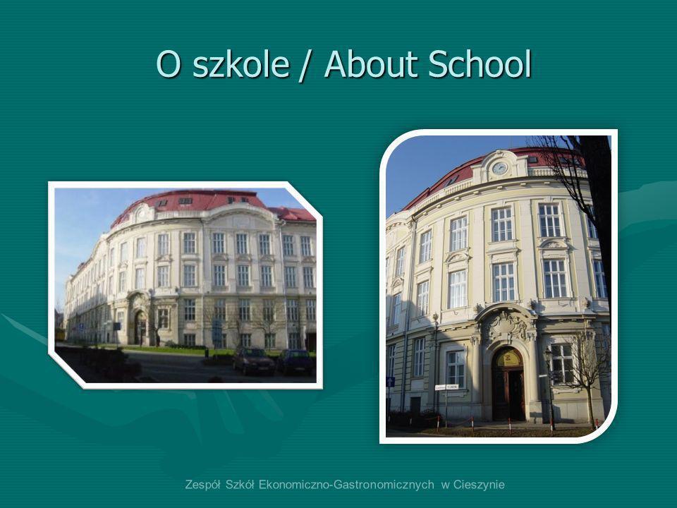 O szkole / About School Każdego roku otwieramy w szkole średnio 8-10 nowych klas pierwszych.