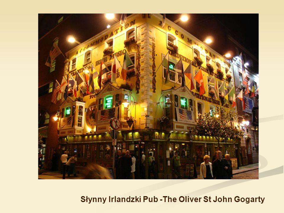 Odrębność kulturowa Irlandii wyraża się przede wszystkim w ogromnym zamiłowaniu Irlandczyków do muzyki i tańca. Często organizowane są występy tradycy