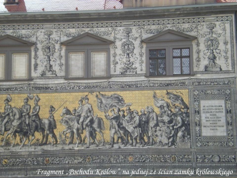 Fragment Pochodu Królów na jednej ze ścian zamku królewskiego